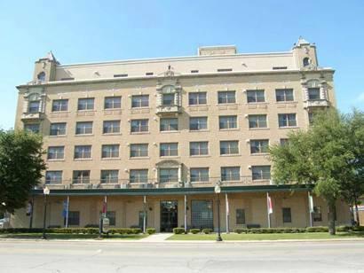 Gainesville Tx Turner Apartment Building