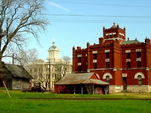 Pioneer cabin, Milam County Jail and Courthouse