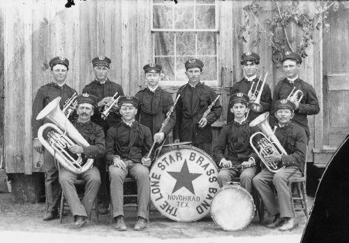 Новоград, штат Техас - духовий оркестр Lone Star