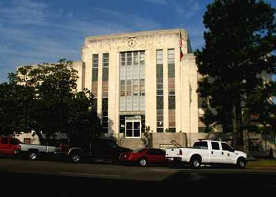 CrockettTxHoustonCountyCourthouse