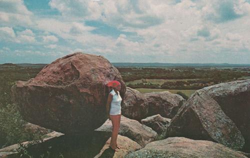 balanced rock landmark in texas hill country