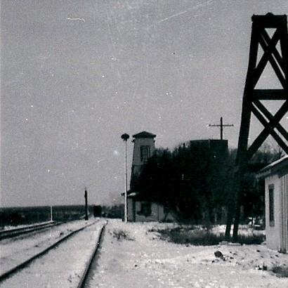 rr tracks tesnus texas ghost town