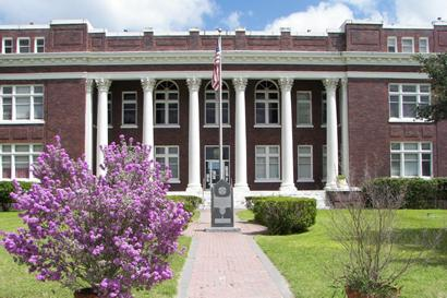 Live Oak County Courthouse, George West, Texas. San Patricio County Courthouse Design on