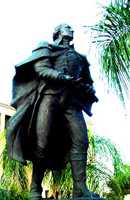 Geroge Washington statue in Laredo Texas