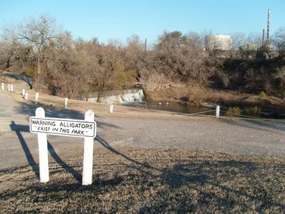 Three Rivers Tx Warning Alligators