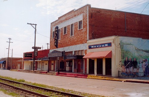 Marlin Tx Palace Theatre And Cafe By Rr Tracks