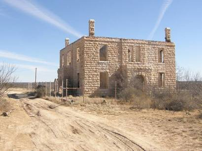 http://www.texasescapes.com/TOWNS/Texas_ghost_towns/Stiles_Texas/StilesTxReaganCountyCourthouse0110BG10.jpg
