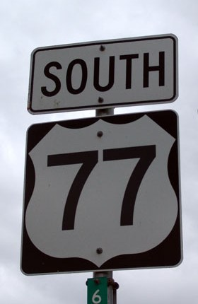 http://www.texasescapes.com/TRIPS/Images/USHighway77SouthSign308KRudine.jpg