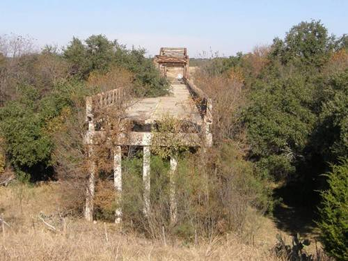 End of the condemned Winchell Bridge , Texas