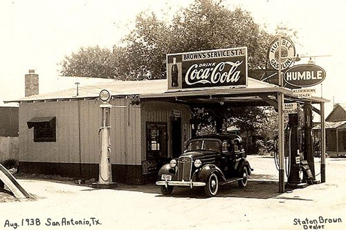 Brown 39 s humble station san antonio texas 1938 for American classic homes waco tx